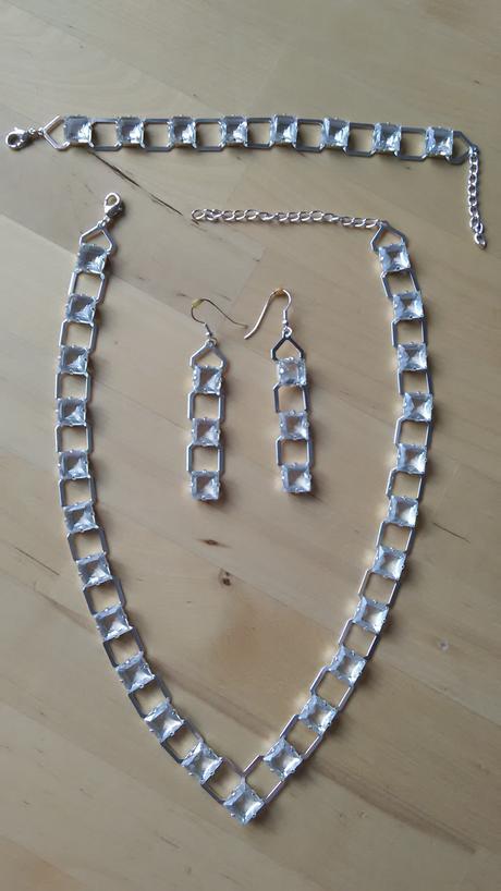Sada náhrdelník, náušnice, náramek,