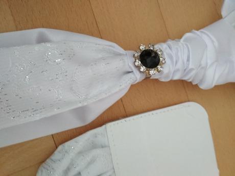 Kravata a vreckovka pre ženícha,