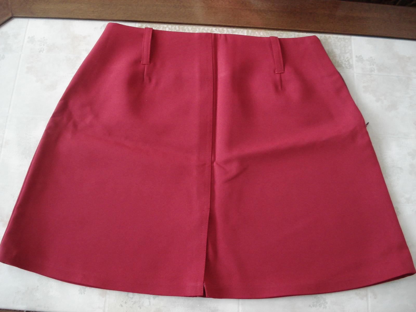 c363eecc5b1e Bordová sukňa