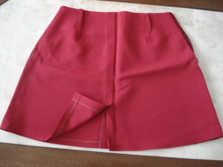 Bordová sukňa, 38