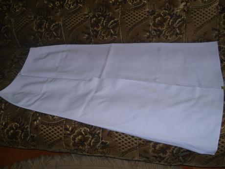 Fialový kostým , 38