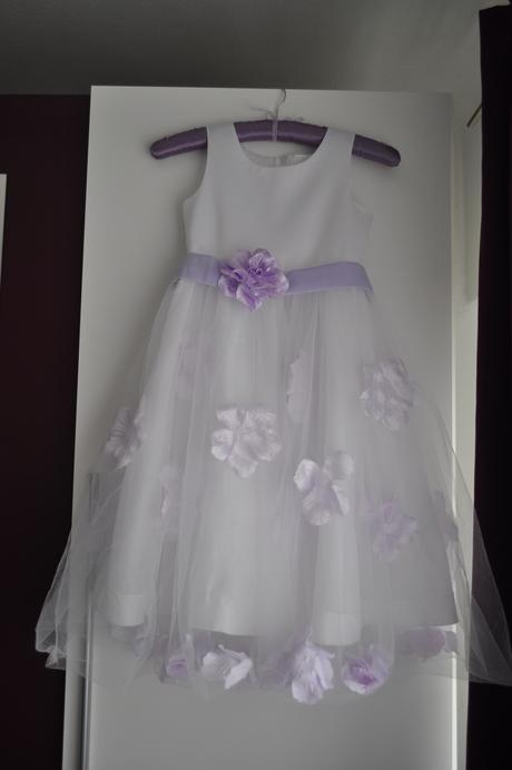 Bílé/fialové šaty pro družičku, 164