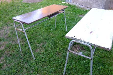 Dve školské lavice,