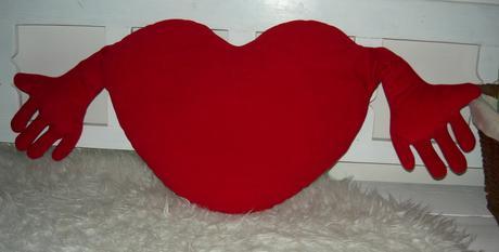 Vankúš červené srdce IKEA,