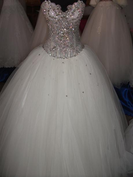 šaty a la princezná, 37