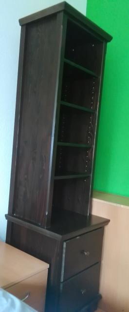 Masívna obývacia stena,