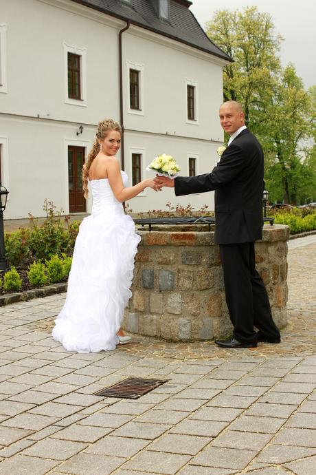 Extravagantné svadobné šaty.Veľkosť 36-40., 36