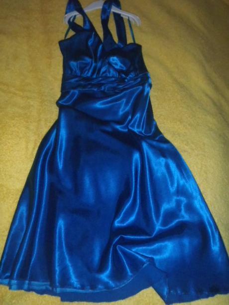 tmavomodré saténové šaty, 38