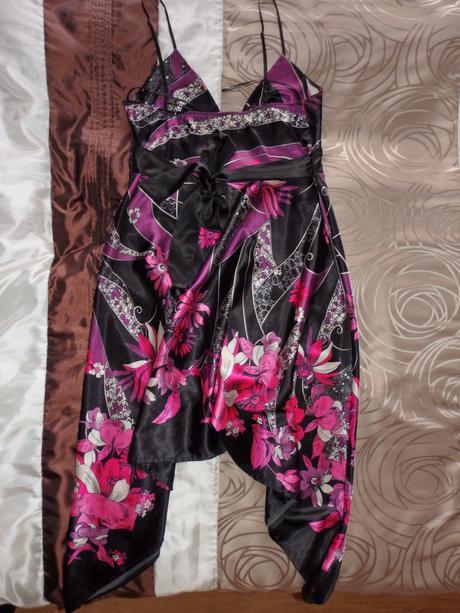 Spoločenské asymetrické šaty, 40
