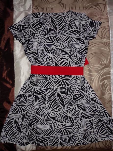 Vzorované elastické šaty , 40