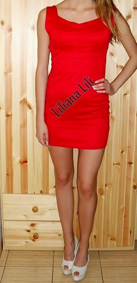 Červené šaty, S