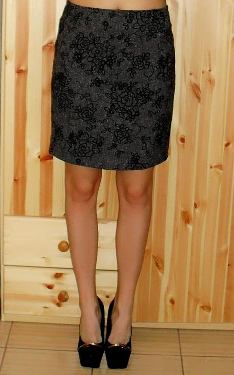 Komplet sukňa a sako / kostým, L