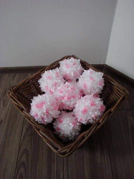 Vypichované bielo - ružové gule,