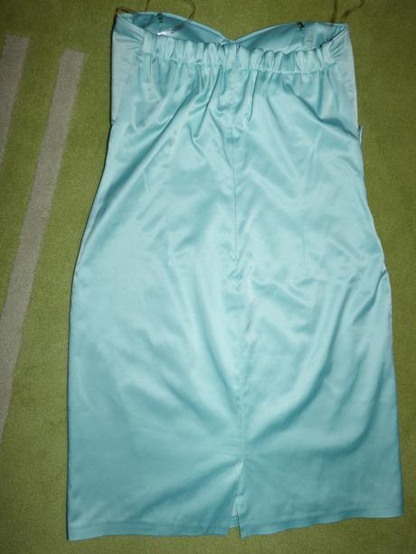 Krátke mätovo-zelené šaty, 40