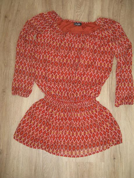 Šaty s dlouhým rukávem, 36