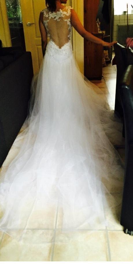 Svatební šaty s holými zády a vlečkou 36/38, 36