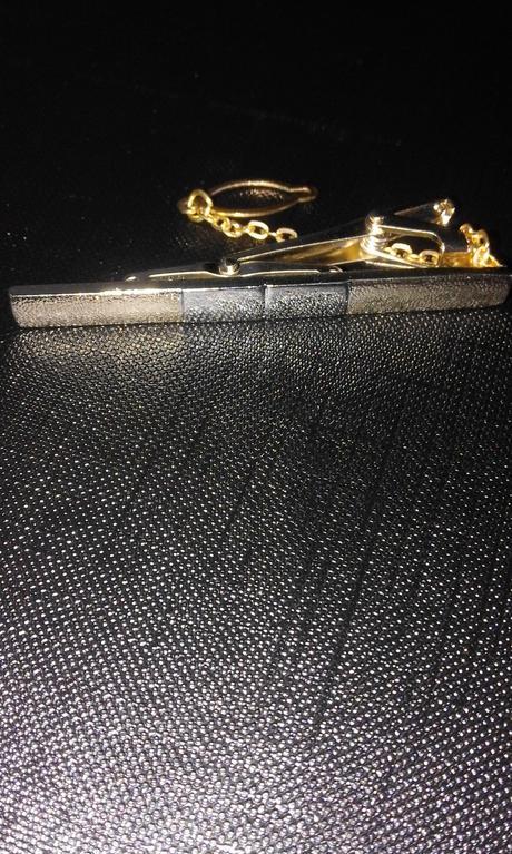 Manžetové gombíky a kravatová spona,