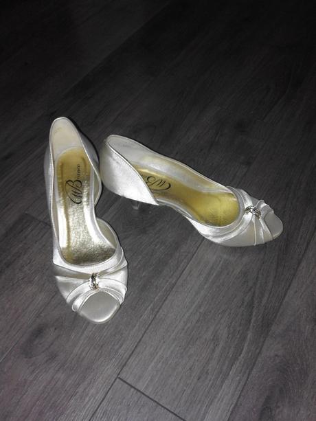 Svadobne topánky , 36