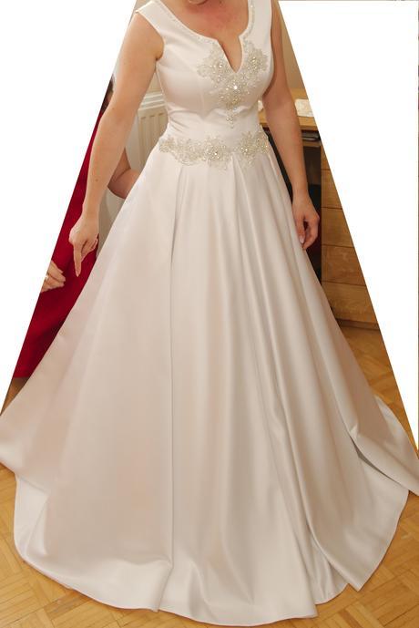 Svadobné šaty + darček náušnice, 38
