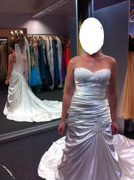 Šaty od Maggie Sottero, 38