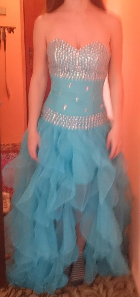 Spoločenske šaty, M