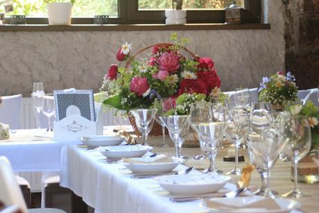 Košík na kvetový aranžmán na hlavný stôl ,