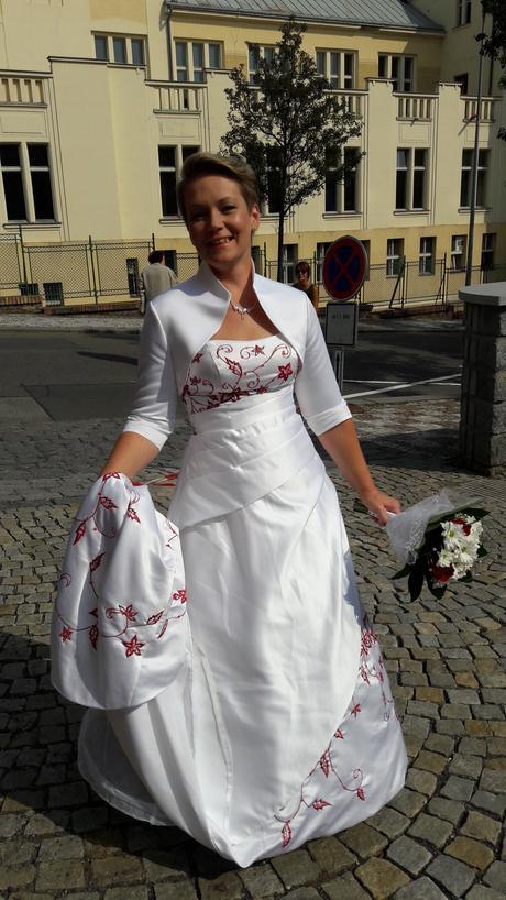 svatební šaty s vlečkou 38 - 42,bolerko,spodnice, 40