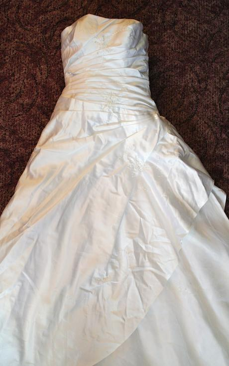 Nepoužité svatební šaty velikost 38, 40