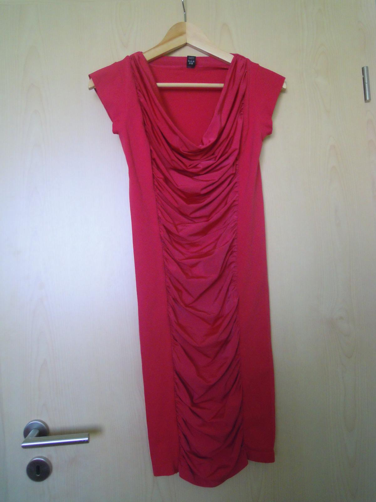 e2945cffad26 Spoločenské šaty bepon