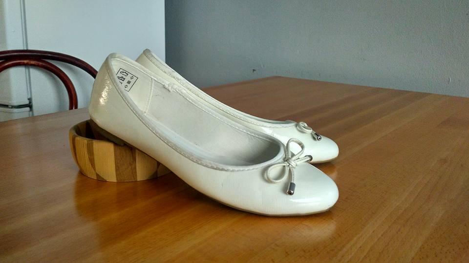 Bílé lesklé svatební balerínky - praha 7 86d3f285d5