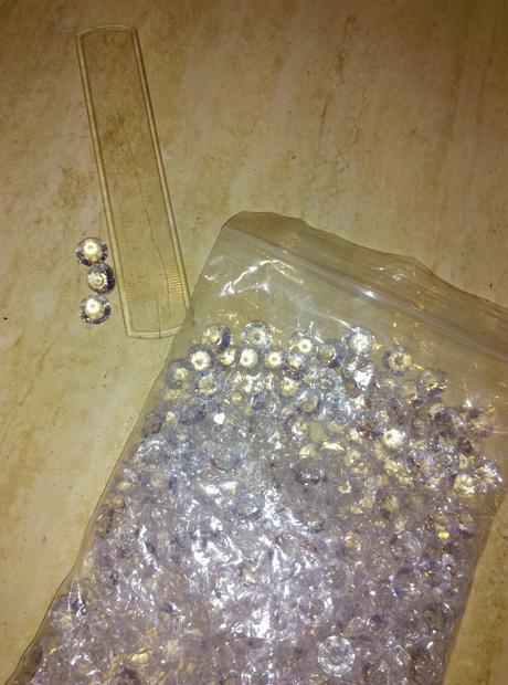 diamanty na stol,