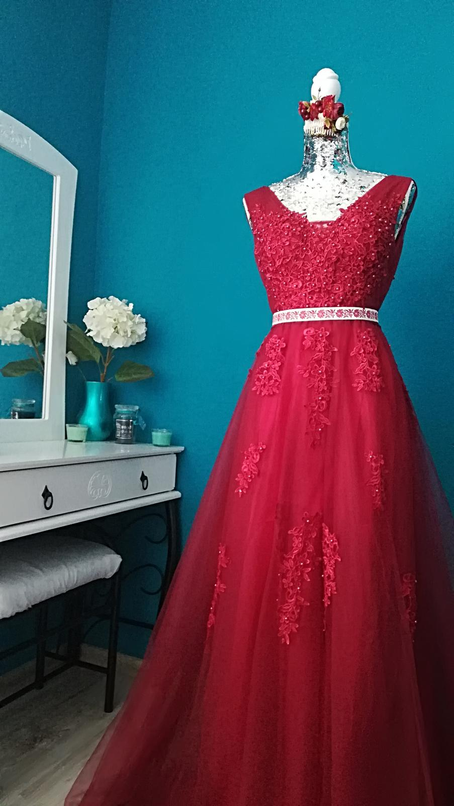 670461856a69 Luxusné spoločenské šaty