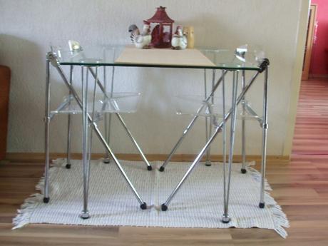 Sklenený stôl a 4 stoličky, cena a predaj spolu,