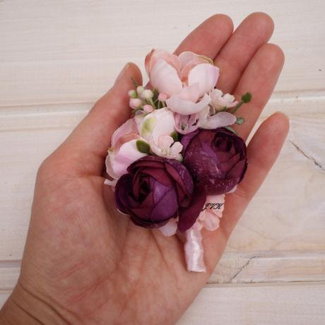 Nepoužitá květinová čelenka a korsáž - sada,