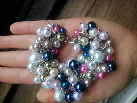 perlový farebný náramok ,