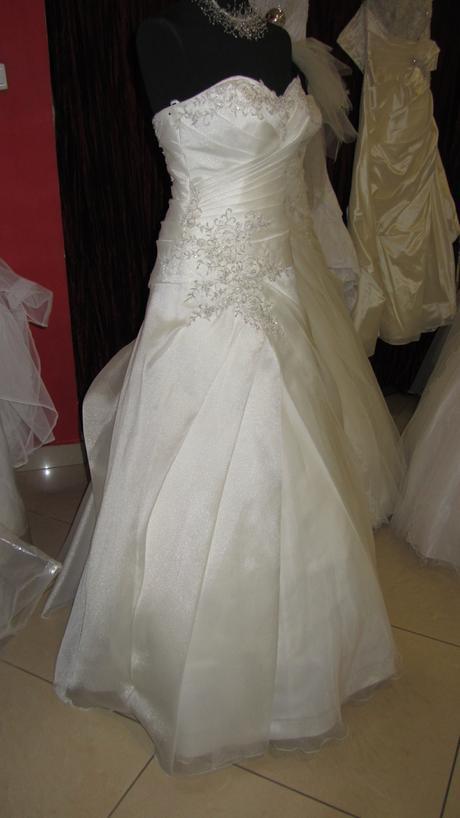 Svadobné šaty, 37