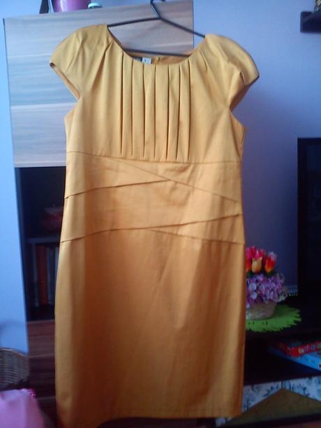 Spoločesnké šaty  , 48