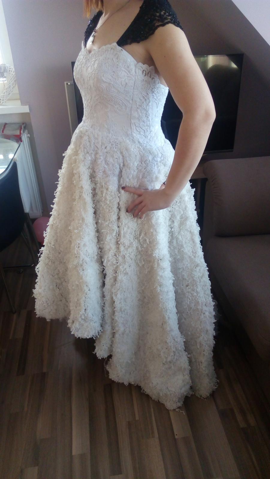 9e12ad2fc76e Svatební šaty jaroslava kocanová