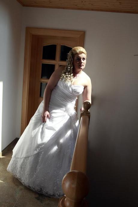 Krajkové svatební šaty vel.42-46 šité v Čechách, 44
