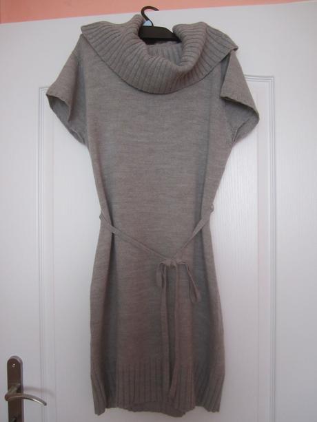 Pletené šaty, M