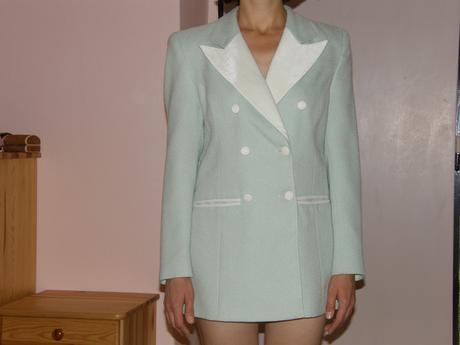 nohavicový svetlozeleno-béžový kostým, 38
