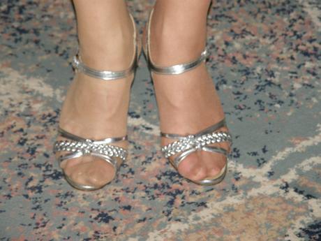 Strieborne remienkove sandálky , 36