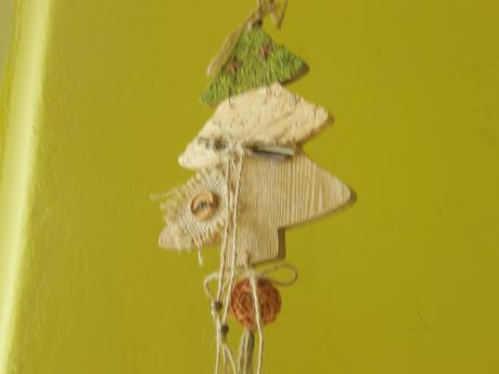 Závesná dekorácia - stromček,