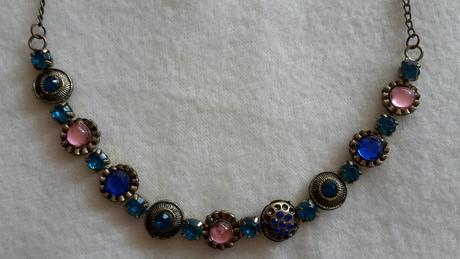 Jemný náhrdelník,