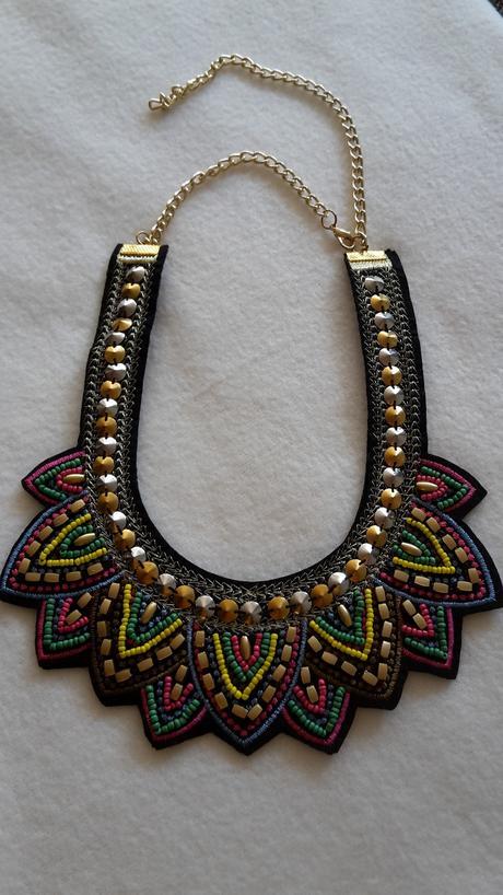 Šialene farebný náhrdelník,