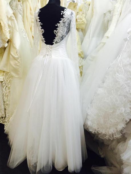Čipkové svadobné šaty s dlhým rukávom, 38