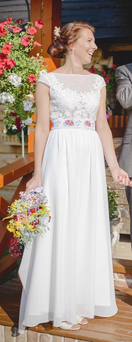 Výnimočne obyčajné svadobné šaty, 36
