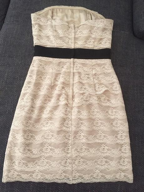 Krajkové šaty, 34