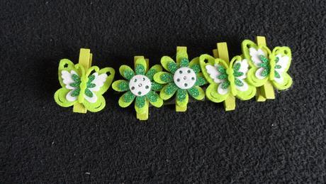 Kolíčky s motýlky a kytičkami,