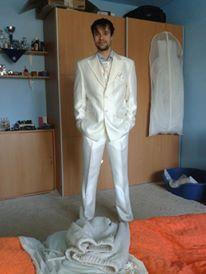 Svadobný oblek, 38